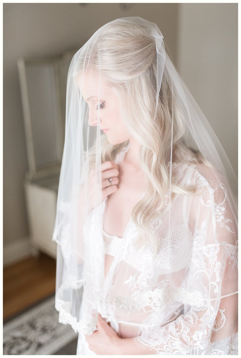 Cedarwood Wedding and Bridal Boudoir Photographer/ Classy